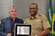 Acic homenageia tenente-coronel Evandro Fraga
