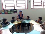 Crianças do CEI Afasc Gerda Becke Machado cultivam horta e reforçam sua alimentação