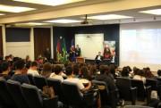 """Segunda fase da campanha """"O Voto é Meu"""" é apresentada no Colégio Catarinense"""