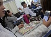 Projeto permite uso de celular na aula como recurso pedagógico