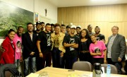 """Candidatos do concurso """"Mais Belo Negro de Siderópolis"""" visitam Paço Municipal Antônio Feltrin"""