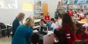 Escritora Roseana Murray conversa com estudantes da Escola São Rafael
