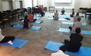 Empresa oportuniza prática de yoga a colaboradores