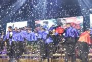 Formandos Satc celebram conquista com amigos e familiares
