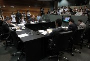CCJ aprova projeto do governo que extingue Cohab e Codesc