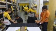 Jogadores realizam sessão de autógrafos na Tigre Maníacos