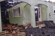 Residência vazia é atingida e destruída por incêndio
