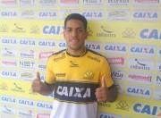 Criciúma apresenta o lateral-esquerdo Yuri oriundo do Botafogo