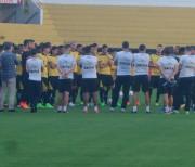 Atacante, volante e lateral cumprem suspensão diante do Goiás
