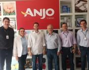 Comitiva da FIESC visita a empresa Anjo Química