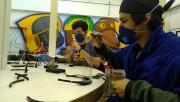 Satc amplia produção de protetores faciais doados para doar para agentes de saúde