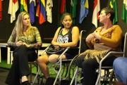 Mulheres do CER visitam exposição fotográfica em alusão ao Dia das Mães