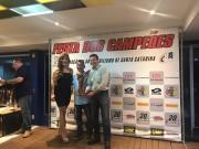 Fauesc premia piloto por título em nacional de automobilismo