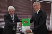 Alesc recebe projeto que reajusta salário mínimo regional