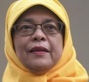 Cingapura tem uma mulher como presidente pela primeira vez