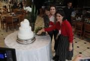 Bolo com Champagne reúne madrinhas e convidadas em evento da Afasc Solidária