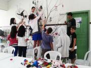 Crianças e adolescentes montam Árvore da Paz no SCFV Santa Luzia