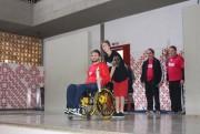 Ex- aluno, atleta e cadeirante é convidado a acender a tocha olímpica