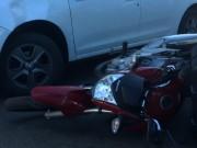 Carro e moto colidem na esquina do Ipiranga