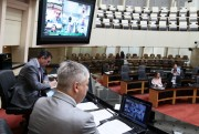 Comissão do segundo processo de impeachment recebe síntese da relatoria