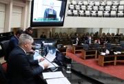 Comissão da Alesc aprova impeachment do governador e isenta vice