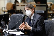 Deputado Saretta lamenta demora na aquisição e aplicação de vacinas em SC