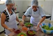 Alimentos orgânicos ganham presença na mesa dos alunos
