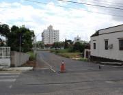 Calçadas são iniciadas em trecho da Rua Altamiro Guimarães