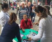 Saúde na praça Nereu Ramos neste sábado