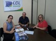 Associações comerciais da região assinam convênio com o Unibave