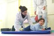 Atividades de fisioterapia estimulam desenvolvimento dos alunos