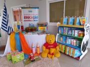 Governo de Rincão entrega livros de literatura aos estudantes