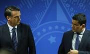 """Bolsonaro diz que vai """"restabelecer a verdade"""" sobre demissão de Moro"""