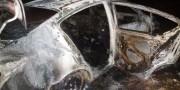 Veículo roubado é encontrado em chamas no Bairro Novo Caravággio