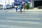 Faixa de pedestres necessita de pintura em Içara