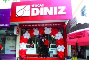 Óticas Diniz promove ações para comemorar os 5 anos