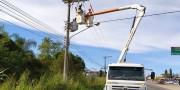 Caminhão provoca acidente na rede elétrica na Rodovia SC-445 em Içara