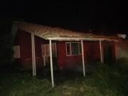 Casa de alvenaria é atingida por incêndio em Balneário Rincão