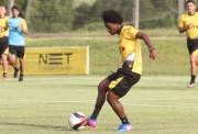Caio Rangel assina novo contrato e espera jogar contra o Inter