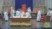 Santos Óleos são abençoados em missa solene na Catedral São José em Criciúma