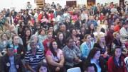 População assiste debate da TV Litoral ao vivo em Balneário Rincão