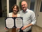 Rose Reynaud recebe Diploma de Mérito Educacional