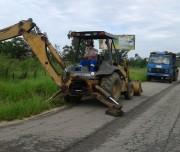 DNIT faz melhorias em vias laterais da BR-101 em Pescaria Brava