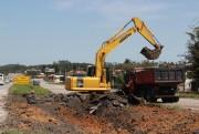DNIT/SC retira acessos irregulares na BR-101, em Pescaria Brava