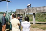 Técnicos da Aresc coletam amostras na Estação de Esgoto
