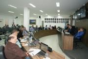 Toretti sugere parceria entre Executivo e Associação de Apicultores