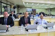 Vereadores aprovam projeto que garante serviços essenciais à população
