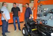 Siderópolis adquiri cortador de grama dirigível