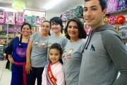 Inauguração de loja conta com presença de Mini-Miss