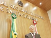 Desembargador federal Celso Kipper toma posse no TRE-SC